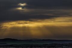Desde el cielo, con amor..... (Martika64) Tags: sunset light sun sunrays landscape countryside nature naturephotography sky clouds atardecer puestadesol luces sol rayosdesol campo cielo nubes outdoor nwn