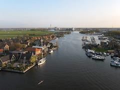 Zaan bij Oost- en West-Knollendam (de kist) Tags: kap nederland thenetherlands zaanstad zaan oostknollendam westknollendam scheepvaart binnenvaart luchtfotografie aerialphotography
