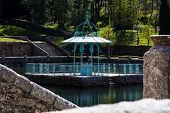 Romanticismo neoclásico (allabar8769) Tags: agua bejar cenador elbosque estanque reflejos