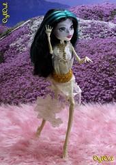 №437 (OylOul) Tags: 16 monster high doll skelita