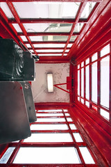 15/52 (2017): Hanging on the Telephone (Sean Hartwell Photography) Tags: telephone box red phonebox british icon symmetry phonecall week152017 52weeksthe2017edition weekstartingsundayapril92017