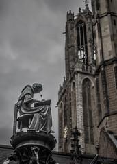 In weer en wind (Gerrit Veldman) Tags: domtoren utrecht nederland netherlands beeld schrijver writer scribe toren tower statue olympus epl7 pandhof kanunnik