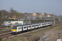 LON_375 (Stuart's Transport) Tags: greateranglia abellio aga london train electric uk emu electricmultipleunit 321339 class321 goodmayes