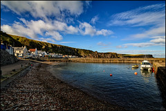 Pennan (Lato-Pictures) Tags: schottland scotland outdoor sea meer pennan hafen port ostküste clouds wolken küste coast