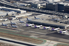 FedEx Full House (birrlad) Tags: losangeles lax international airport california usa aircraft aviation airplane airplanes airline airliner airlines airways apron ramp terminal cargo hub fedex helicopter tour gate stand mcdonnell douglas boeing airbus freighter freight transport