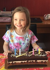 Alice a 4 ans! Explore (Marie-Josée Lévesque) Tags: alice famille family fête birthday 2017 iphone6s petitefille granddaughter