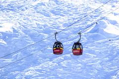 Liftcabines bij Kaprun in oostenrijk (Frits Kooijmans) Tags: 2017 bergen kaprun oostenrijk wintersport