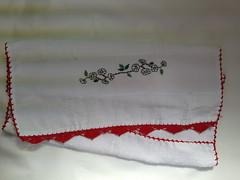 Pano de Prato Bordado Ponto Cruz - Galho com flores brancas B005 (SaluArts) Tags: flores de pano artesanato cruz ponto prato copa bordado