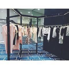 อ่านว่า บา-เลน-เชีย-ก้า ✨✨ #baleciaga #club21thailand #visualmerchandising #visualmerchandiser #styling