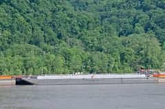 HFL 413 (Joe Schneid) Tags: transportation barge louisvillekentucky inlandwaterway inlandwaterways americanwaterways hinesfurlongline ohiorivermile619 hfl413
