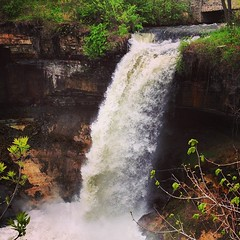I do believe this is my first time here #minneapolis #waterfall (erintheredmc) Tags: park minnesota creek square erin minneapolis falls squareformat mayfair mn mccormack minnehaha iphoneography instagramapp uploaded:by=instagram foursquare:venue=4bef085596edc9b606344af2