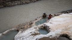 Горячий источник в долине Гаруды (Тибет)