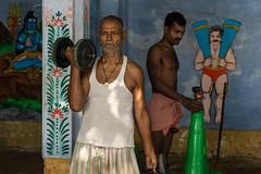 (Jordy B) Tags: india color asia varanasi asie couleur homme inde uttarpradesh kushti bénares pahlavani pehlwani indeindia
