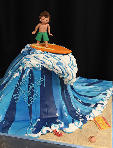 Wave Surfing Cake