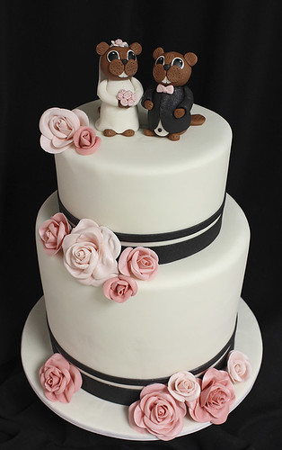 Beavers Wedding Cake with Sugar Roses