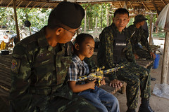 20140708-Coup de Tat day 41-42 (โนนดินแดง)-56 (Sora_Wong69) Tags: thailand military farmer politic coupdetat martiallaw evict nondindang