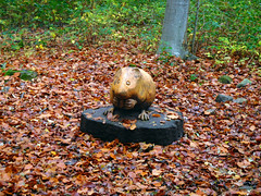Carvings (davej1962) Tags: breconbeacons autumn uskvalley llangattock powys carving woodcarving