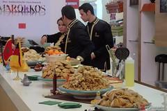 Marokkanisches Buffet zum Lunch (Sockenhummel) Tags: grünewoche marokko lunch buffet essen fuji x30 fujifilm finepix fujix30 süssigkeiten tisch berlin messe ausstellung messegelände