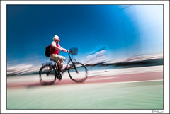 El ángel de la guarda - The guardian angel (Bruno Frerejean (Bruno Mallorca)) Tags: movedphotos motionblur movedstreetpictures bicycle mystical thegimp tokina1116mmf28 nd400filter