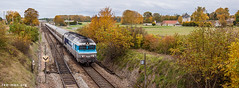Historic relicts (VTZK) Tags: sncf trein cc72000 business train railscape railscapes passenger transport transportation rail railroad sustainable zug bahn mobility photo image spoorweg chemin de fer spoorlijn paris belfort ligne 4 intercités autumn color yellow leaves locomotive engine castle switch panorama