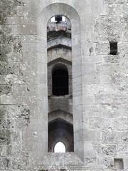 Arches (magellano) Tags: sangalgano abbazia toscana italia italy tuscany chiesa church finestra window arco arch