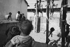 (Viduthalai Mani Dharmaraj) Tags: streetphotography chennai india tamilnadu indianstreetphotographer creativeimagemagazine indiaphotoproject streetphotos indianstreets viduthalai viduthalaimanidharmaraj streetincolor streetphotoclub amazingstreetphotos streetmoments decisivemoment lovestreetblackandwhite monochrome streetinbw bwstreets vm011573