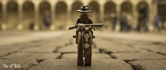 Searching home (The Aphol) Tags: lego cremona legography legophotography minifigures outdoor toy toyphotography toysafari mattonciniallombradeltorrazzo torrazzo cremonabricks cowboy western oldwest wildwest bandit horse rifle