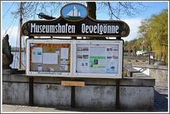 Museumshafen Oevelgönne (GeeDynamite) Tags: hamburg hafencity elbphilharmonie segelschiffe norden norddeutschland wasser elbe musical könig der löwen schiffe city hh