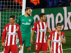 Atletico Madrid defend a corner (lcfcian1) Tags: leicester city atletico madrid lcfc atleti uefa champions league football sport uk england kingpowerstadium king power stadium leicestercity atleticomadrid leicestercitystadium uefachampionsleague championsleague footballmatch fernandotorres janoblak koke 11 18417 quarter final