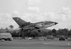 Tornado     43+47    MFG 1 (rac819) Tags: iatfairford iat fairford 1985 aviation fastjets flying riat internationalairtattoo panaviatornadogr4 luftwaffe tonka tornado
