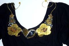 Maxicolares (Brechó de ideias) Tags: flores preto vermelho cerâmica fuxico coração sementes colar gargantilha velas colares linha cordão laço miçangas acabamento cortadosrecortes