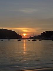 Don't Let The Sun Go Down On Me (Bricheno) Tags: sunset espaa holiday spain espanha mediterranean espana mallorca spanien spagna spanje majorca baleares soller portdesoller  espanya  balearics hiszpania sller portdesller   bricheno