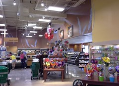 West end of store reopens! (l_dawg2000) Tags: 2004 mississippi supermarket ms grocerystore grocery renovation remodel kroger 2000s southaven 2013 krogerfuelcenter krogershoppingcenter krogermilleniumstyle 2013remodel kroger2012decor
