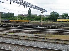 92557 Bescot 220613 (Dan86401) Tags: wagon flat db container 92 freight modal rls dbs schenker kfa intermodal bescot 92557 railease standardwagon rls92557