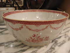 "CHINESE EXPORT BOWL WITH RED DECORATION, 19TH CENTURY. • <a style=""font-size:0.8em;"" href=""http://www.flickr.com/photos/51721355@N02/14284008146/"" target=""_blank"">View on Flickr</a>"