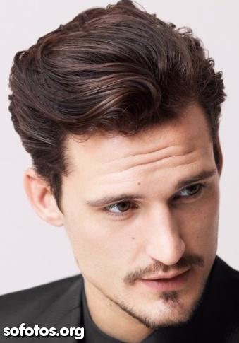 cabelo masculino penteado para trás