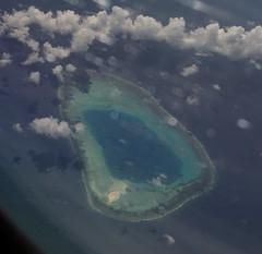 Img399734nx2_conv (veryamateurish) Tags: flight aeroplane aircraft southchinasea paracelislands paracels sea view island china vietnam