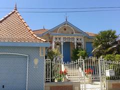 Blue Belle Époque house in Soulac-s/Mer [Explore 08/06/2014] (Sokleine) Tags: blue house france 33 bleu maison soulac aquitaine gironde belleepoque