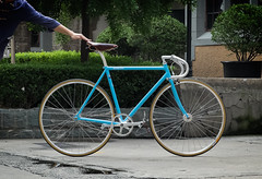 F5 Pista Custom : Pearl Blue (Factory Five) Tags: china blue columbus bike bicycle wall gum bars factory shanghai 5 five gear son drop h porn thomson plus fixed fixie pearl custom pista brooks nitto bespoke lugged njs webuildweride