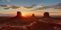 Monument Valley Sunrise (jeremyjonkman) Tags: