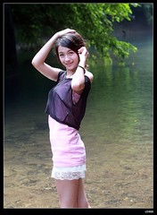 nEO_IMG_DP1U0320 (c0466art) Tags: school light portrait cute wet water girl beautiful smile female creek canon asia pretty play sweet outdoor quality gorgeous young feeling lovely charming pure hight 1dx c0466art
