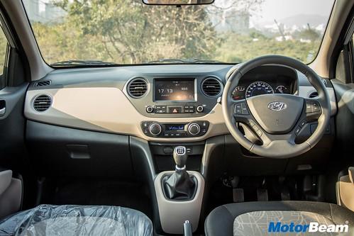 2017-Hyundai-Grand-i10-09
