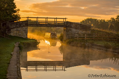 Zouch Sunrise (Phutball) Tags: zouch leicestershire sun rise river reflection narrow boat barge bridge