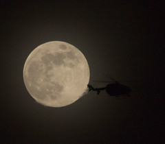 Full Moon and passing helicopter 10 April 2017 (Sculptor Lil) Tags: canon700d dslrsingleexposure london moonflyby flyby fullmoon handheld helicopter moon sky