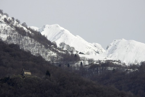 in den Bergen hat es über Nacht geschneit