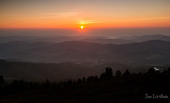 JATATIK 1 (juan luis olaeta) Tags: canon canoneos60d paisages landscape photoshop lightroom atardecer sunset sol eguzki cielos sigma1020 jata jatape bizkaia paisvasco basquecountry euskalherria