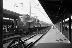 rn2-348s (George Hamlin) Tags: washington dc district columbia gg1 electric locomotive railroad passenger train pennsylvania prr 121 midday congressional streamliner platform overhead catenary passengers disembarking bumping post photo decor george hamlin photography light shadow