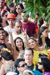 Um salve para o Carnaval (Centim) Tags: bh belohorizonte minasgerais mg brasil br cidade estado país sudeste capital continentesulamericano américadosul foto fotografia nikon d90 pessoas serhumano povo gente carnaval carnavalizabh carnaval2016 carnavalizabh2016 carnavaldebh carnavalderua aquinãolacerda