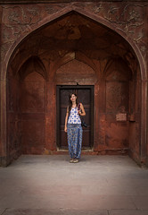 Red fort gate (Leonardo Alpuin Photography) Tags: delhi india redfort leonardoalpuin canon 60d portrait retrato gate puerta red rojo travel viajes