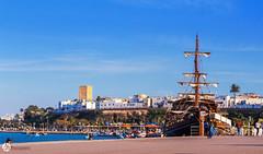 The past and the present - Le passé et le présent (A.B.S Graph) Tags: marinabouregragrabatsaleeauoceanmerbateaushipboat maroc morocco rabat oued rivier sea coast boat ship peche filet oudaya kasbah